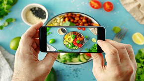 A Customer Engagement app for the Food & Restaurant industry improve brand loyalty